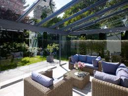 Projekty, nowoczesne Okna i drzwi zaprojektowane przez Solarlux GmbH