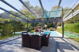 Балкон, веранда и терраса в . Автор – Solarlux GmbH