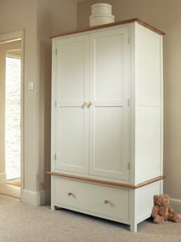 Recámaras de estilo clásico por The Painted Furniture Company