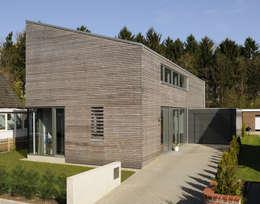 Projekty, nowoczesne Domy zaprojektowane przez JEBENS SCHOOF ARCHITEKTEN