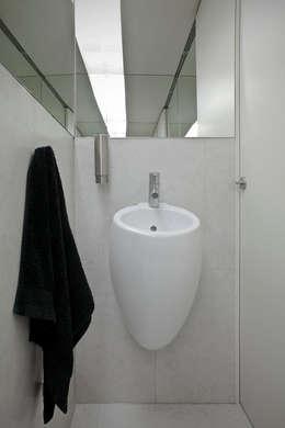 minimalistische Badkamer door A2OFFICE