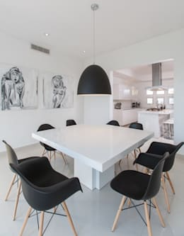 minimalistic Dining room by Grupo Arsciniest