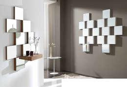 Vestidores y closets de estilo moderno por MIAHOME TRENDS GROUP SL
