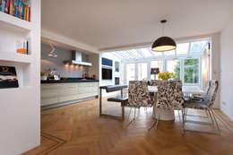 Modern interieur Amsterdam oud-zuid: moderne Keuken door Het Ontwerphuis