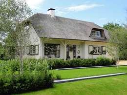VOORZIJDE.1: klasieke Tuin door Buro Ruimte & Groen