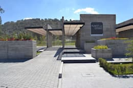 Pergolas con WPC Innover: Casas de estilo minimalista por Grupo Boes