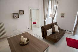 Salas / recibidores de estilo ecléctico por Pamela Tranquilli