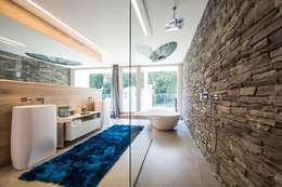 Projekty,  Łazienka zaprojektowane przez ARKITURA GmbH
