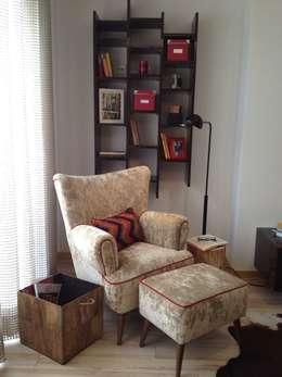 colonial Living room by Santiago | Interior Design Studio