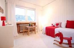 Kinderzimmer nach dem Home Staging: landhausstil Kinderzimmer von raumwerte Home Staging