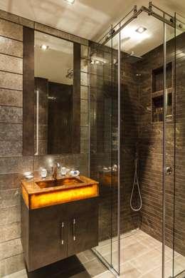 classic Bathroom by Keir Townsend Ltd.