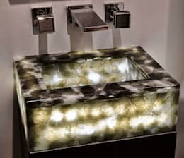 classic Bathroom تنفيذ Keir Townsend Ltd.