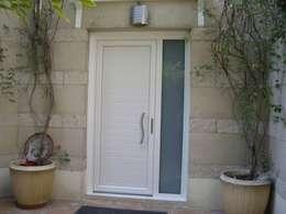 Projekty, nowoczesne Okna i drzwi zaprojektowane przez SISTEMAS GAHM SL