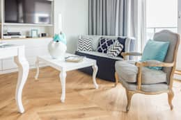 Gabinet główny.: styl , w kategorii Salon zaprojektowany przez CAROLINE'S DESIGN