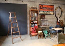 gu vintage shop furnitures and accessories: GU VINTAGE SHOP의  사무실 공간 & 가게