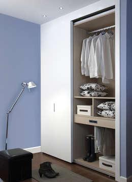 Modelo Colonia: Dormitorios de estilo moderno de ARMAN INDUSTRIA DEL MUEBLE SLU