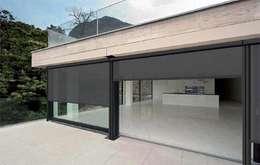 Projekty,  Balkon, weranda i taras zaprojektowane przez Comercial MecanoToldo S.L.U