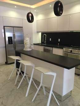 Cozinhas minimalistas por DECO designers