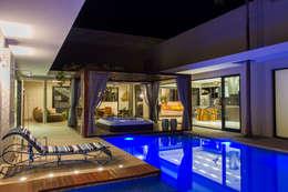 modern Pool by RABAIOLI I FREITAS