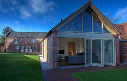 Casas de estilo moderno por Alrewas Architecture Ltd