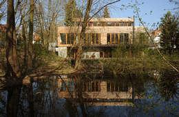 modern Garden by Carlos Zwick Architekten