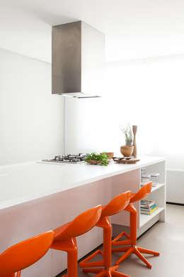 Consuelo Jorge Arquitetosが手掛けたキッチン