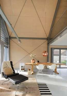 Гостиная в . Автор – Blok Kats van Veen Architecten