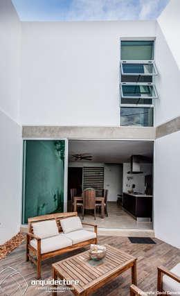 Patio: Terrazas de estilo  por Grupo Arquidecture