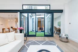 Ruang Keluarga by Balance Property Ltd