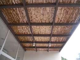 Terrazas de estilo  por Kanela Bambu