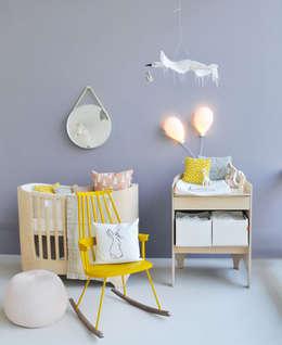 Projekty,  Pokój dziecięcy zaprojektowane przez Rooom