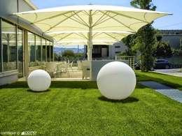Akbrella Şemsiye San. ve Tic. A.Ş – 300x300cm Kelepçeli sistem şemsiye: akdeniz tarzı tarz Bahçe