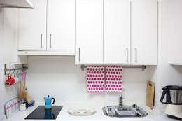Cocinas de estilo minimalista por www.rocio-olmo.com