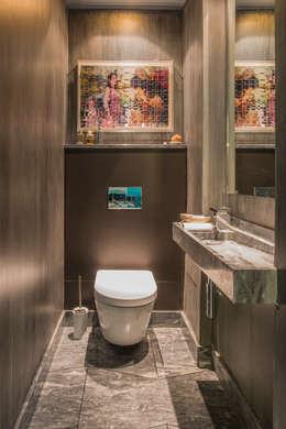 VICTOR HUGO: Salle de bains de style  par ZOEVOX - Fabrice Ausset