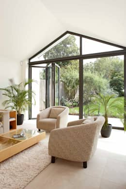 بيت زجاجي تنفيذ Pentangle Design