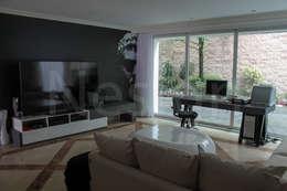 Bureau de style de style Minimaliste par Nesign - Diseño y fabricación de muebles.
