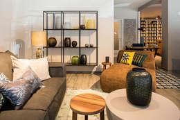 Projekty,  Salon zaprojektowane przez Room Service Interior & Colour Design