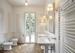 Salle de bain de style de style Classique par Astudioarchitetti