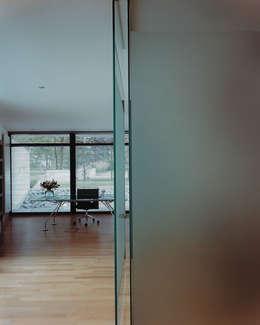 Werkkamer: moderne Studeerkamer/kantoor door Lab32 architecten