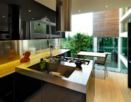 مطبخ تنفيذ Mariani & Associati Architetti