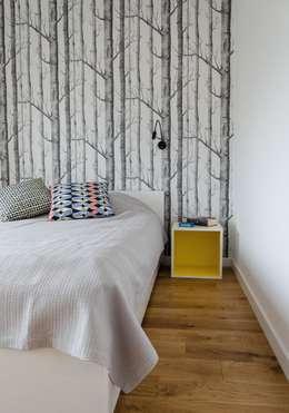mieszkanie pomiędzy miastami | between big cities: styl , w kategorii Sypialnia zaprojektowany przez Studio Malina