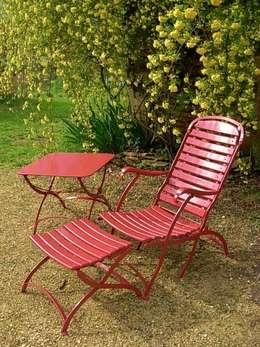 MEUBLES DE JARDIN POTIER: klasik tarz tarz Bahçe