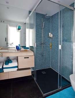 modern Bathroom by Bescos-Nicoletti Arquitectos