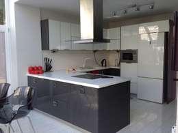 Vizyon mimarlık ve Dekorasyon – M.L.P EVİ: modern tarz Mutfak