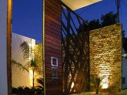 minimalistic Garden by EcoEntorno Paisajismo Urbano