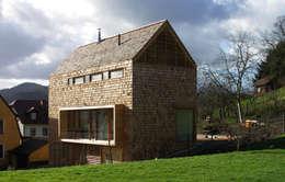 Wohnhaus in Gengenbach: moderne Häuser von lehmann_holz_bauten
