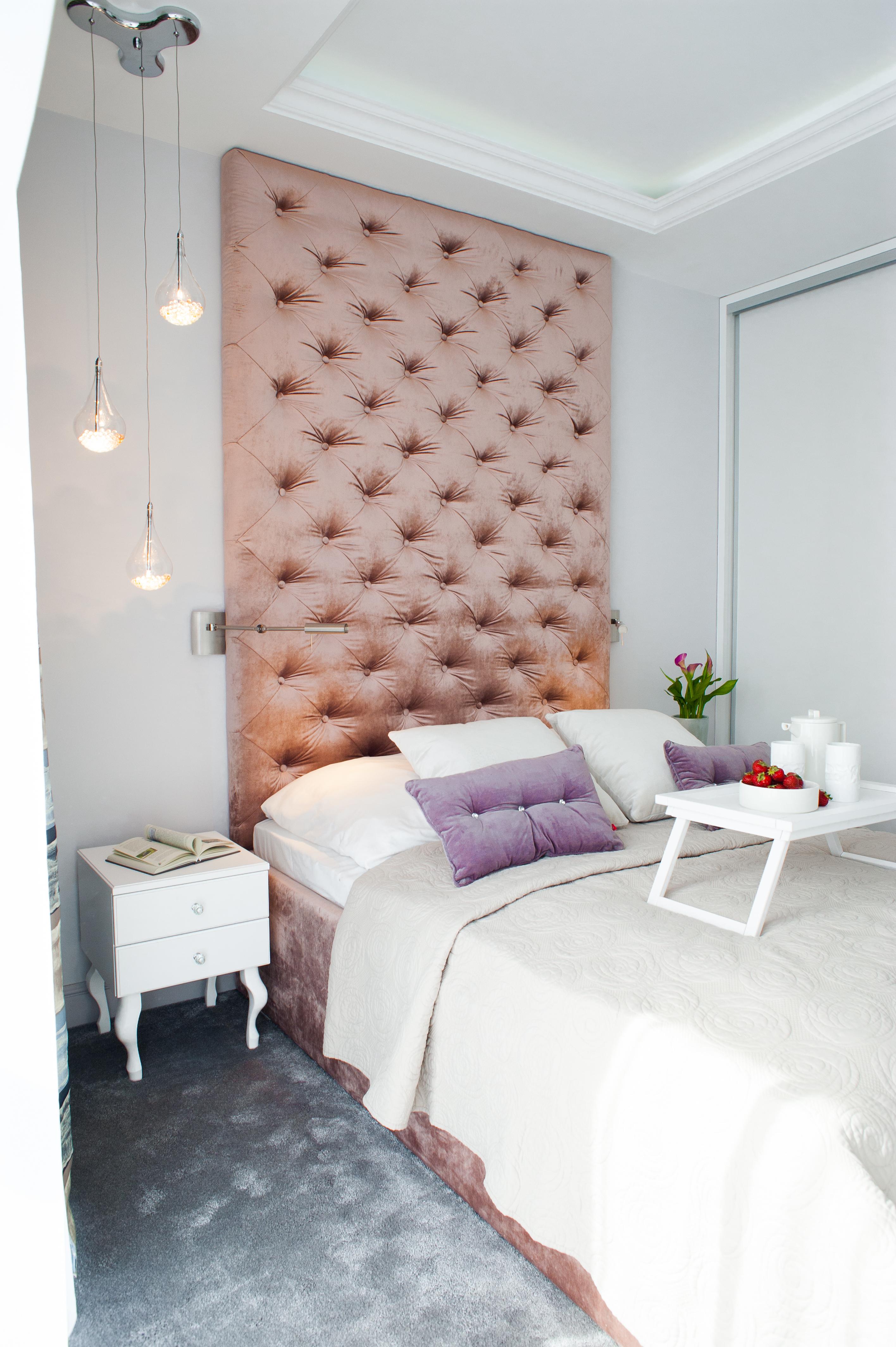 Francuska Kamienica: styl , w kategorii Sypialnia zaprojektowany przez Arkadiusz Grzędzicki projektowanie wnętrz