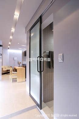 영등포구 당산동 19평형 원룸형 아파트: MID 먹줄의  화장실