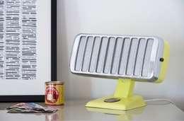 """Lampe upcycling vintage """"petit thermor"""": Maison de style  par ArtJL"""