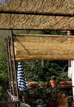 Il terrazzo con rivestimenti in bamb for Canne di bamboo da arredo